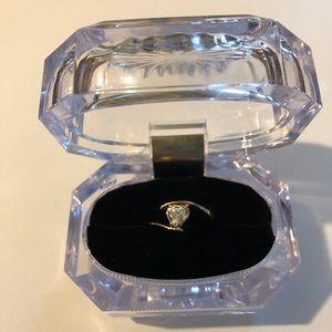18K Gold Heart Shaped Ring